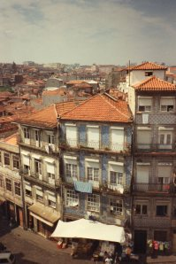 Lovely Tiled House in the old town of Porto